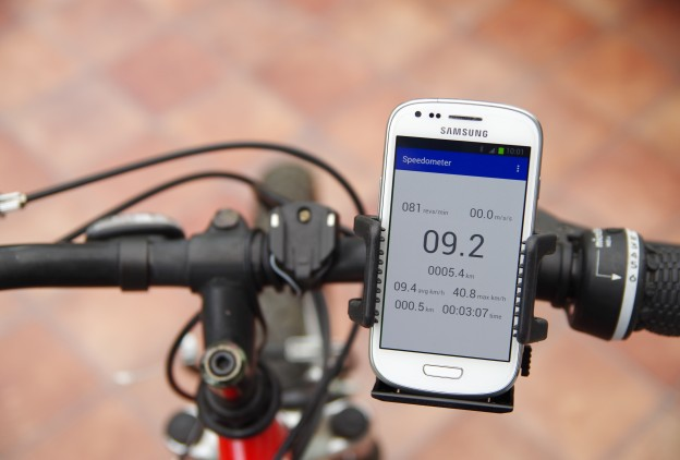 Android display for arduino speedometer using bluetooth